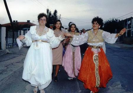 Romska nošnja