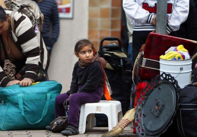 Iseljeno oko 400 Roma iz predgrađa Pariza