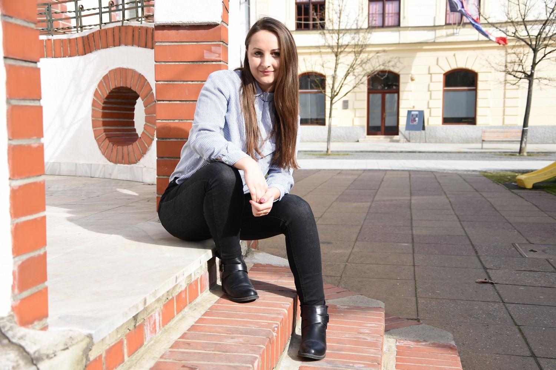 Druga slika romske zajednice: Prva Romkinja iz Piškorovca s fakultetskom diplomom!